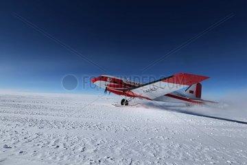 ANTARCTICA-CHINA'S AIRCRAFT-KUNLUN STATION-LANDING (CN)