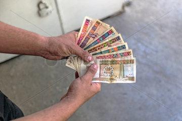 Geldscheine Doppelwaehrung