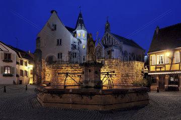 Burg mit Sankt Leo-Kapelle  Eguisheim  Elsass  France