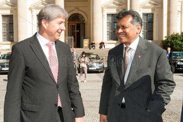 Berlin  Deutschland  Buergermeister Klaus Wowereit  SPD  und Dr. Surin Pitsuwan  ASEAN