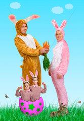 Riedlingen  eine Familie verkleidet als Hasen