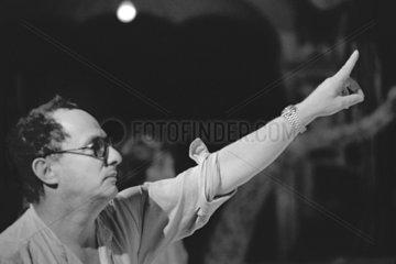 ZADEK  Peter - Portrait of the director