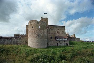 Die Ruine der Burg Wesenberg in Rakvere  Estland