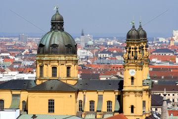 Muenchen  Blick ueber die Altstadt