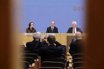 Bundespressekonferenz zum Thema: Aktuelle Umfrage: Viele deutsche Unternehmen nicht Brexit-reif  was wird aus den britisch-deutschen Wirtschaftsbeziehungen?