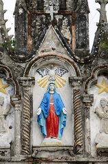 Vietnam  Detailaufnahme einer katholischen Kirche in der Naehe von Hue