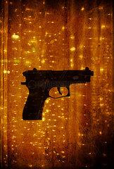 Sparkling gun