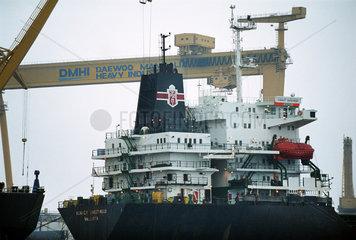 Polnisches Schiff der Flagge PZM in der Daewoo-Werft in Mangalia  Rumaenien