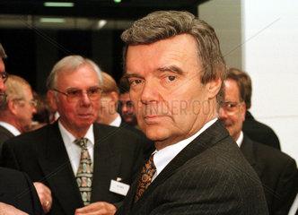 Dr. Herbert Woerner  Bosch-Siemens Hausgeraete GmbH