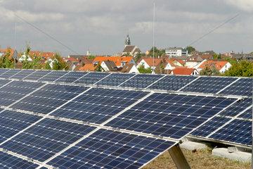 Solaranlage auf dem Dach des Max-Planck-Gymnasiums.in Boeblingen.