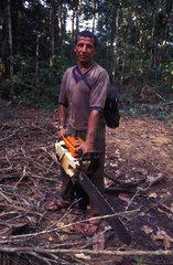 Waldarbeiter im brasilianischen Urwald