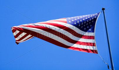 Die amerikanische Flagge weht im Wind
