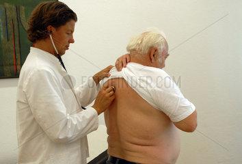 Sprechstunde in einer Arztpraxis