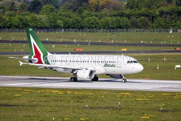 Alitalia Airbus A319-112