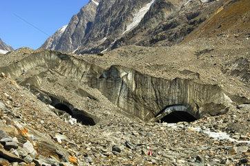 Gletschertor des Langgletschers  Wallis  Schweiz