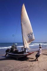 Segelboot an der brasilianischen Kueste