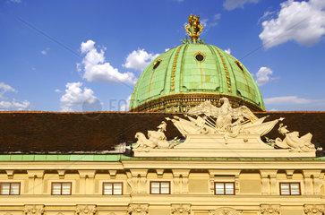 Hofburg  Kuppel ueber dem Michaelertor  Wien