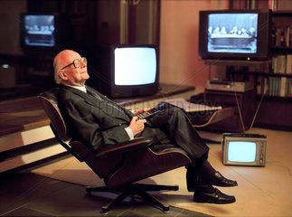Werner Hoefer  Journalist  Fernsehmoderator  Koeln  1996