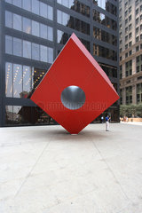 New York  USA  Red Cube Skulptur