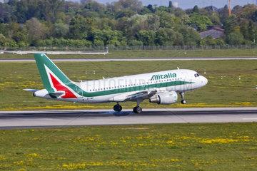 Alitalia Airbus A319-111