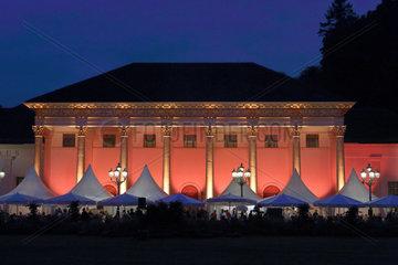 Iffezheim  Deutschland  das Kurhaus Baden-Baden bei Nacht