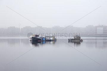Berlin  Deutschland  Wohnboote in der Rummelsburger Bucht in Berlin-Friedrichshain