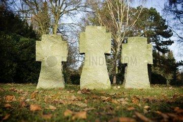 Steinkreuze auf dem Soldatenfriedhof in Hamburg Ohlsdorf