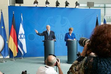 Berlin  Deutschland - Bundeskanzlerin Angela Merkel und der Ministerpraesident des Staates Israel Benjamin Netanjahu bei ihrer Pressekonferenz.