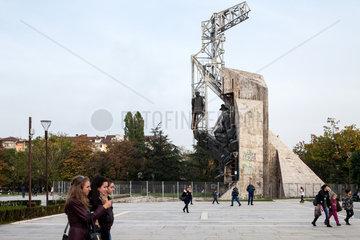 Sofia  Bulgarien  Denkmal am Nationalen Kulturpalast NDK