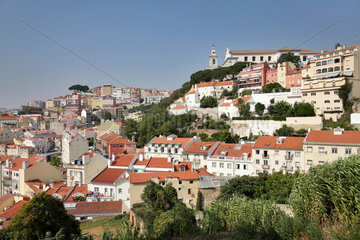 Lissabon  Portugal  Blick auf die Altstadt Alfama in Lissabon