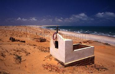 Friedhof an der Kueste im Norden Brasiliens