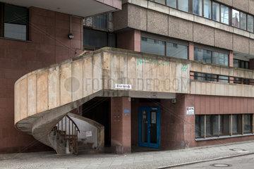 Berlin  Deutschland  Wendeltreppe an einem Bueogebaeude in der Kleine Kurstrasse in Berlin-Mitte