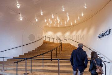Hamburg  Deutschland  Elbphilharmonie in der HafenCity im Hamburger Hafen