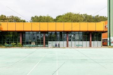 Berlin  Deutschland  Ruine des Diesterweg Gymnasiums in der Swinemuender Strasse in Berlin-Gesundbrunnen