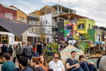 Berlin  Deutschland  Neu eroeffnetes Holzmarkt 25 in der Holzmarktstrasse in Berlin-Friedrichshain