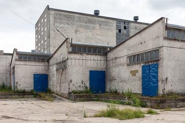 Stettin  Polen  Fabrikhallen im Hafen