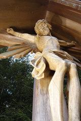 Schnitzkunst Holzkreuz