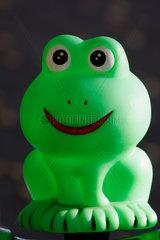 gruene Frosch als Hupe