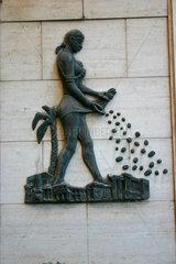 Rome - Skulpturlogo am Eingang eine Kaffee
