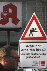 Achtung Arbeiten bis 67