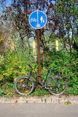 angeschlossen Fahrrad