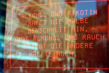 Alkohol und Rauch Weisheit Schild