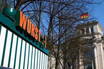 Wurst Imbissbude vor dem Reichstag