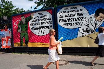 Berlin - Werbeplakat zum Thema Konsum/Kaufen