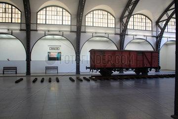 Waggon Installation von Robert Kusmirowski im Hamburger Bahnhof