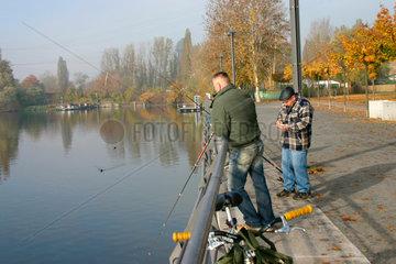 Angler am Spreeufer