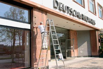 Renovierungarbeit an dem Deutschlandhaus
