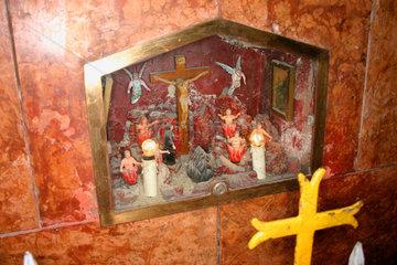Italy  Naples Strassenaltar/road altar