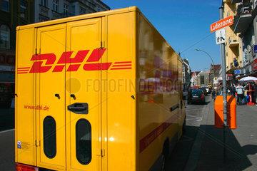 Berlin - DHL Transporter