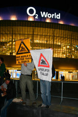O2-Halle Eroeffnungs Demonstration.